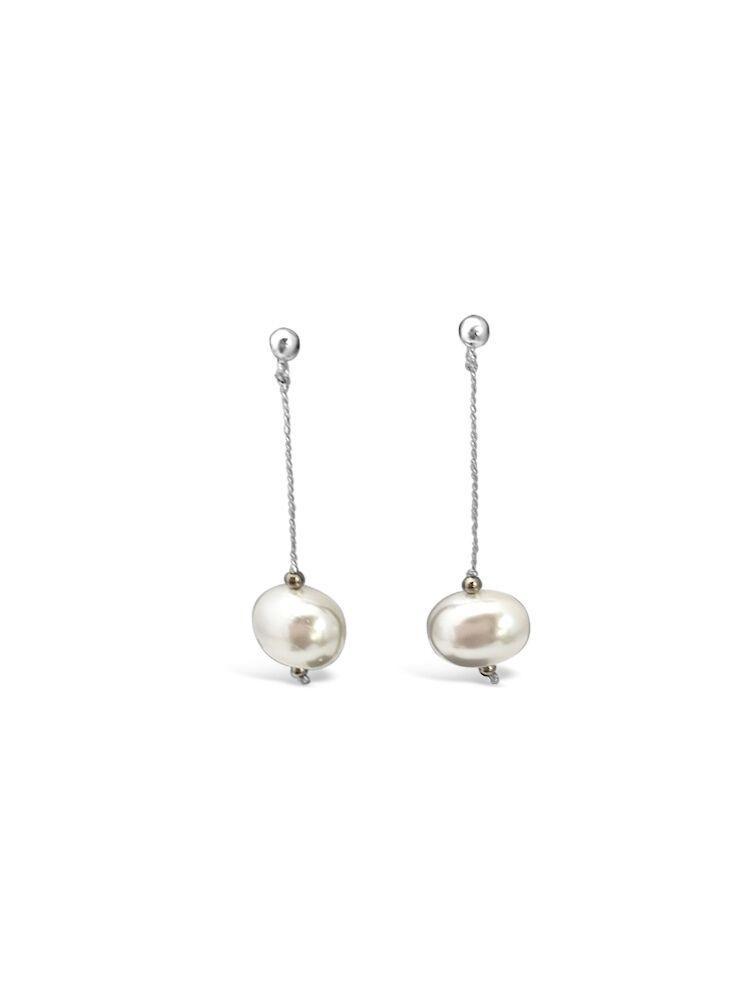 Perle Shell witte hangende oorbellen_iFmHeemstede